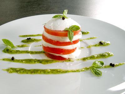 millefeuille tomate mozzarella et son pistou par easy french cook easy french cook. Black Bedroom Furniture Sets. Home Design Ideas