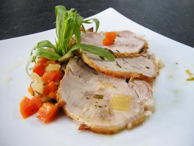 Rôti de porc aux herbes et sa garniture de légumes