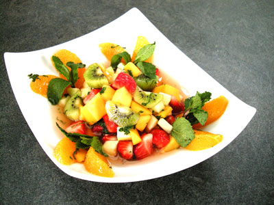 Salade de fruits à la menthe fraîche