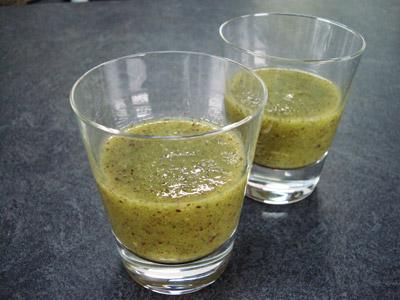 Soupe glacée de kiwis à la menthe fraîche