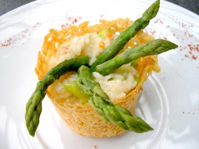 Risotto d'asperge et sa corolle de parmesan